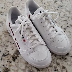 Adidas Sneakers Boys Size 3.5